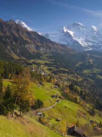 doug-pearson-wengen-and-lauterbrunnen-valley-berner-oberland-switzerland