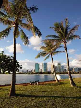 douglas-peebles-ala-moana-beach-park-waikiki-honolulu-oahu-hawaii-usa
