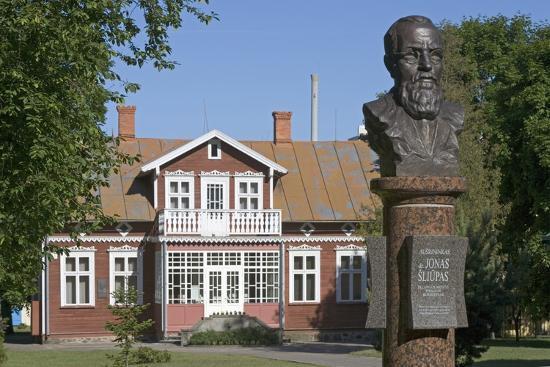 dr-jonas-sliupas-memorial-house-1861-1944-lithuanian-patriot-palanga-klaipeda-county-lithuania
