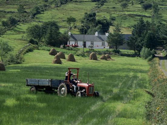duncan-maxwell-croft-with-hay-cocks-and-tractor-glengesh-county-donegal-eire-republic-of-ireland