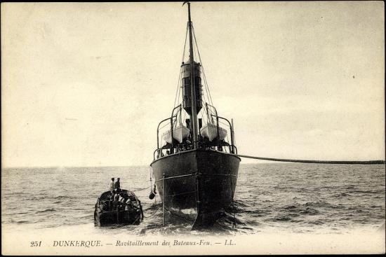 dunkerque-ravitaillement-des-bateaux-feu