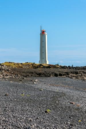 dvoevnore-lighthouse-in-west-iceland-at-sunny-weather