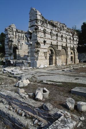 east-wall-of-the-frigidarium