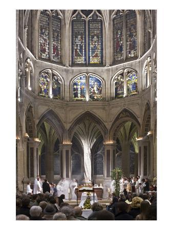 easter-mass-in-church-of-saint-severin-paris-ile-de-france-france