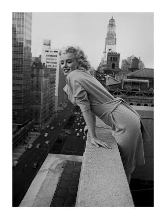 ed-feingersh-marilyn-monroe-at-the-ambassador-hotel-new-york-c-1955
