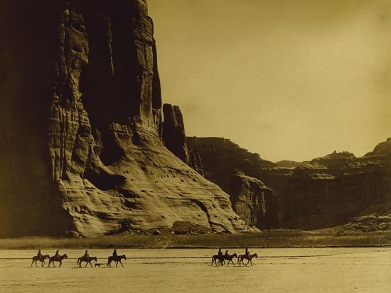 edward-s-curtis-canon-de-chelly-arizona-navaho-trail-of-tears