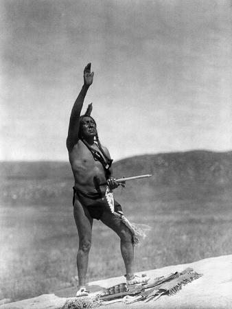 edward-s-curtis-sioux-invocation-c1907