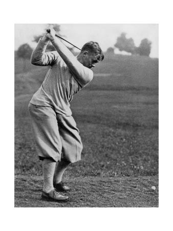 edwin-levick-bobby-jones-the-american-golfer-may-1932