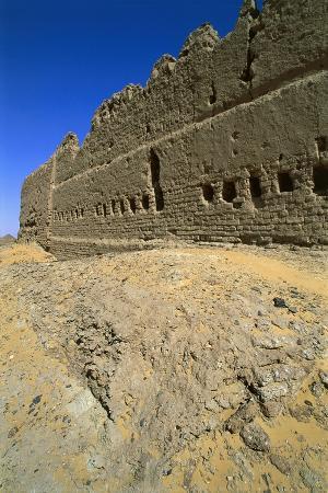 egypt-el-heiz-oasis-ruins-of-roman-fortress