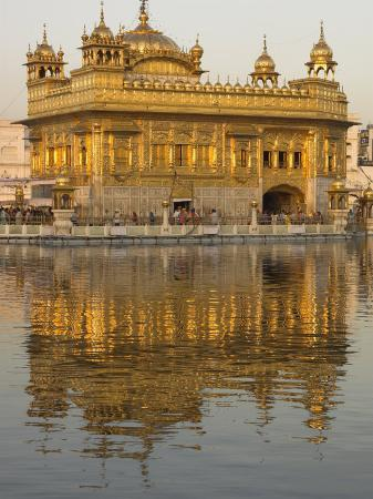eitan-simanor-the-sikh-golden-temple-reflected-in-pool-amritsar-punjab-state-india