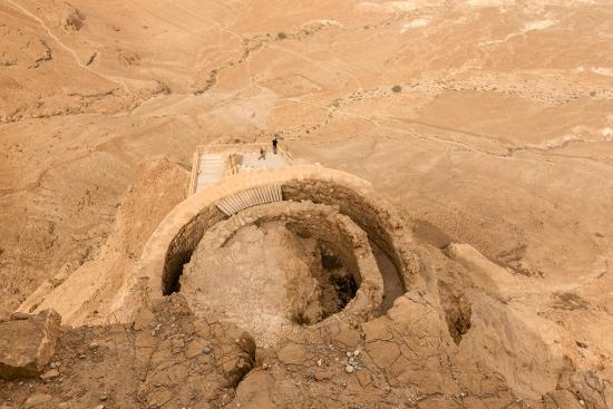 eleanor-scriven-herod-the-great-s-hanging-palace-from-above-judaean-desert-beyond-masada-israel-middle-east