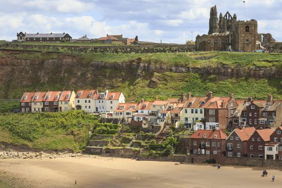 eleanor-scriven-st-mary-s-church-and-whitby-abbey-above-tate-hill-beach