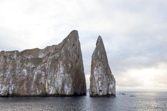 ellen-goff-ecuador-galapagos-islands-san-cristobal-kicker-rock