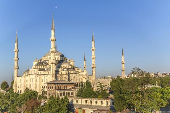 emily-wilson-turkey-istanbul-the-sultan-ahmed-mosque-is-a-historic-mosque-in-istanbul