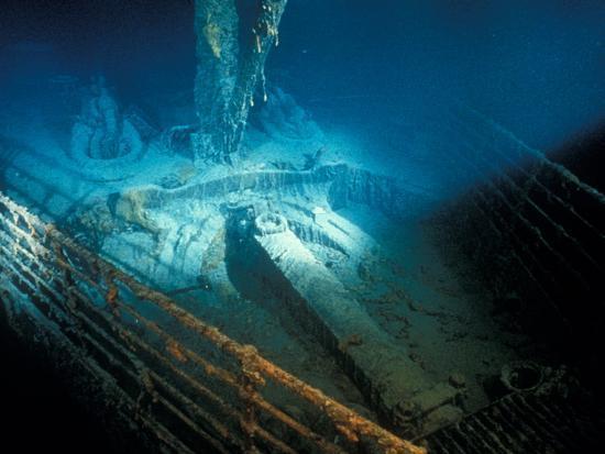 emory-kristof-prow-railing-of-the-r-m-s-titanic
