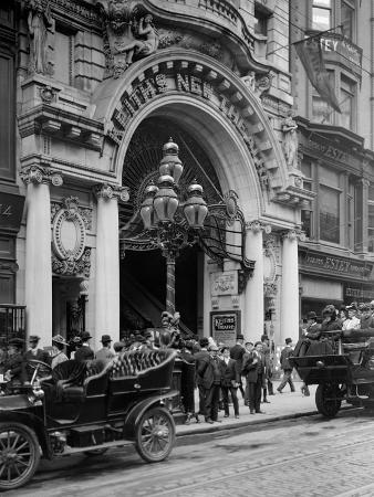 entrance-to-keiths-theatre-philadelphia-pa