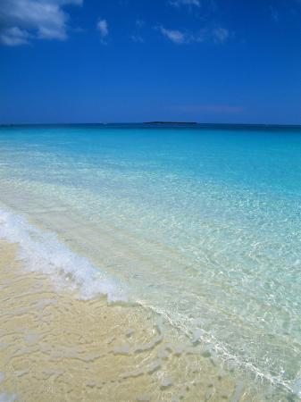 ethel-davies-beach-paradise-island-bahamas-central-america