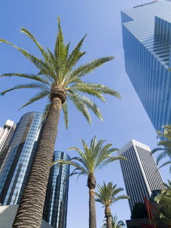 ethel-davies-downtown-bonaventure-hotel-in-background-los-angeles-california-usa