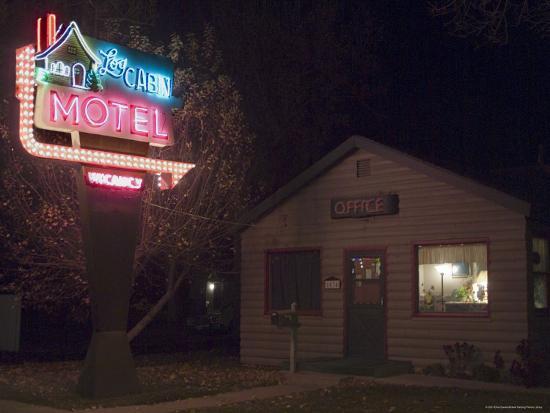 ethel-davies-log-cabin-motel-montrose-colorado-usa