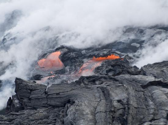 ethel-davies-steam-plumes-from-hot-lava-flowing-onto-beach-and-into-the-ocean