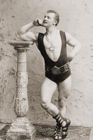 eugen-sandow-in-classical-ancient-greco-roman-pose-c-1897