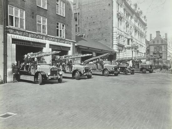 euston-fire-station-no-172-euston-road-st-pancras-london-1935