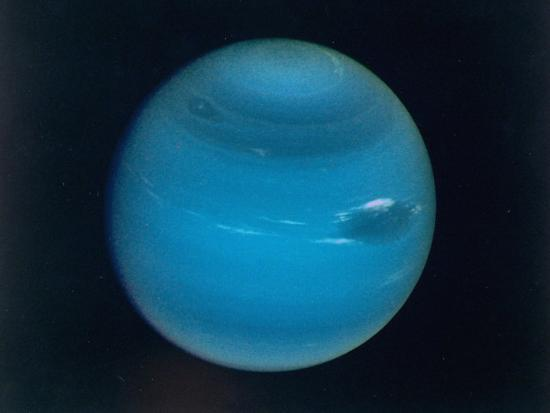 excellent-narrow-angle-camera-views-of-the-planet-neptune-taken-from-voyager-2-spacecraft