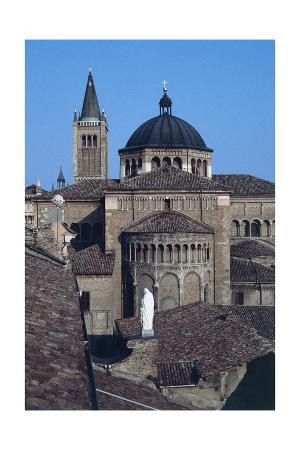exterior-view-of-the-apse-parma-cathedral