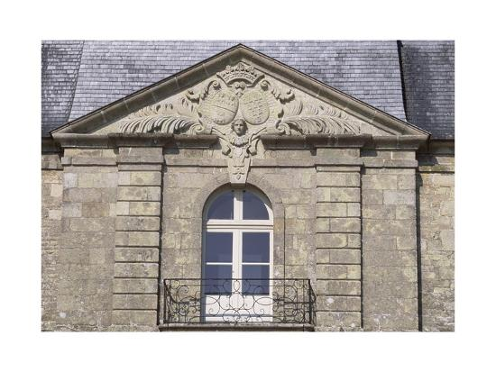 facade-of-chateau-de-tregranteur-guegon-brittany-detail-france-18th-19th-century