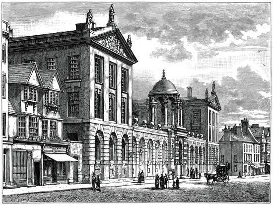 facade-of-queen-s-college-oxford-university