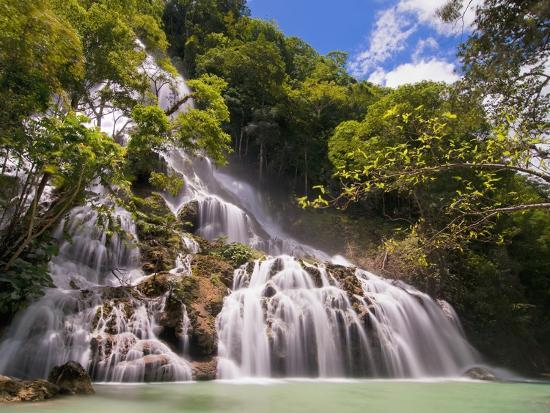 fadil-waterfall-in-forest