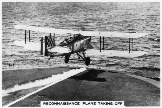 fairey-iii-f-reconnaissance-plane-taking-of-from-the-aircraft-carrier-hms-courageous-1937