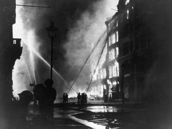 firemen-using-hoses-on-the-inferno-at-eastcheap-london-ec-at-the-height-of-the-blitz