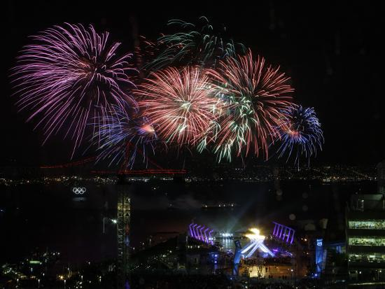 fireworks-explode-after-the-cauldron-was-lit-at-the-vancouver-2010-olympics