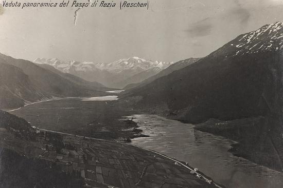 first-world-war-a-panoramic-view-of-the-pass-of-raetia-reschen