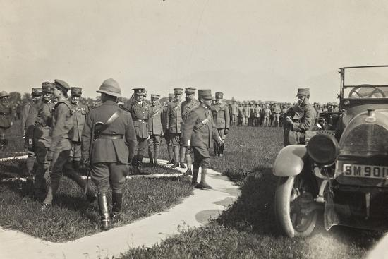 first-world-war-his-majesty-the-king-vittorio-emanuele-iii-of-savoy-during-a-military-parade