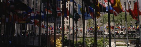 flags-in-a-row-rockefeller-plaza-manhattan-new-york-usa
