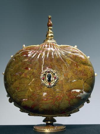 flask-once-belonging-to-catherine-de-medici-with-medallion-depicting-moor-s-head