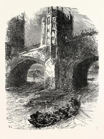flight-of-queen-eleanor-the-scene-at-london-bridge