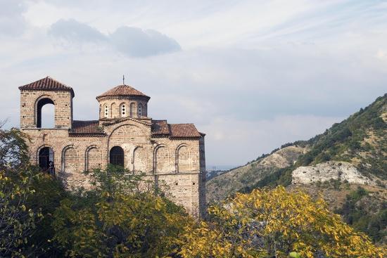 fortress-church-in-mountain-area-asenovgrad-rhodope-mountains-bulgaria
