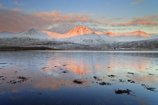 fortunato-gatto-united-kingdom-uk-scotland-highlands-black-cuillin-at-sunrise