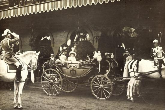 foto-grossherzogin-viktoria-adelheid-kutsche-reiter