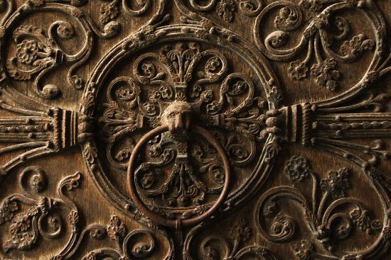 france-paris-notre-dame-door-knocker-detail