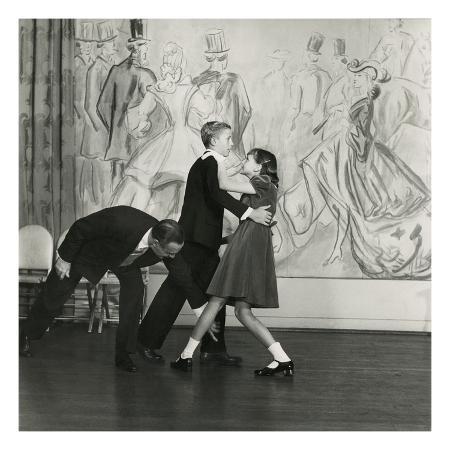 frances-mclaughlin-gill-vogue-december-1948