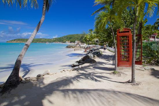 frank-fell-beach-and-red-telephone-box