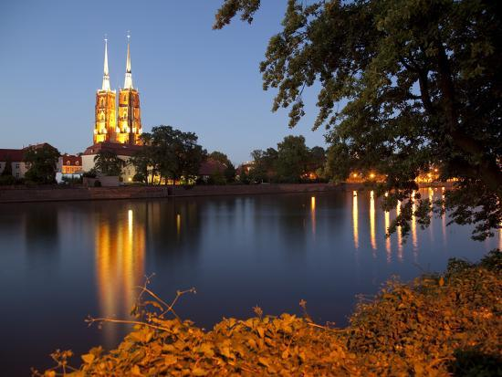 frank-fell-cathedral-and-river-odra-river-oder-old-town-wroclaw-silesia-poland-europe