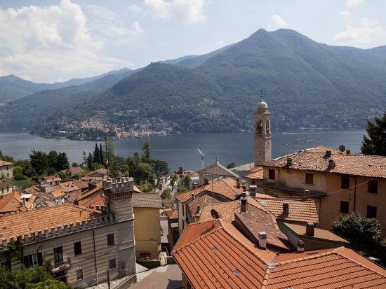 frank-fell-lakeside-village-lake-como-lombardy-italian-lakes-italy-europe