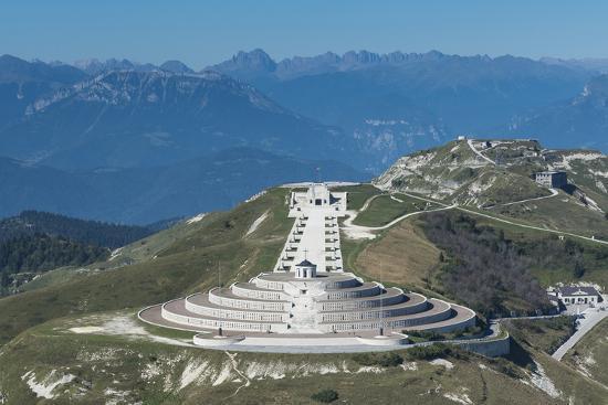 frank-fleischmann-bassano-italy-monte-grappa-monument-veneto