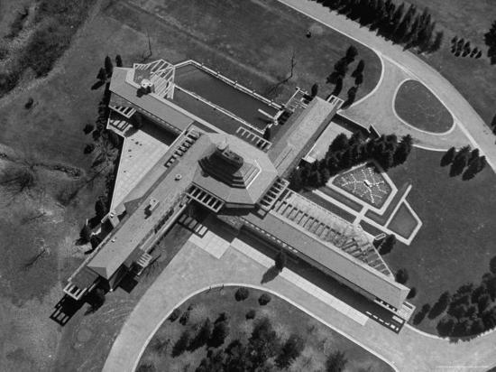 frank-scherschel-aerial-view-of-house-designed-by-architect-frank-lloyd-wright