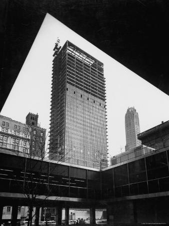 frank-scherschel-construction-of-modern-steel-and-glass-seagram-s-office-building-on-park-avenue
